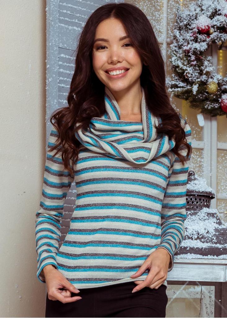 Теплая полосатая блуза с шарфом