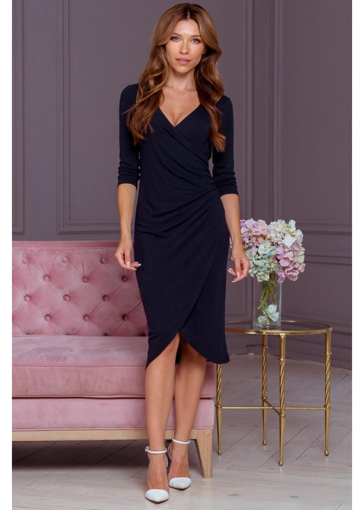 Платье платье со складками и декольте
